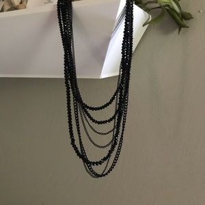 Jewelry - 💜 Black Crystal Like Necklace
